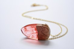 BoldB - Modern pointy pendant : necklace handmade from Australian wood and a mixture of pale red and fire red resin. Made in Australia