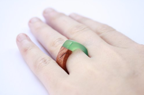 BoldB - Modern pointy ring in size US 6 - 6.5 handmade from Australian wood and green resin. Made in Australia