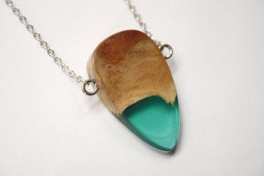 BoldB - Pointy pendant : necklace handmade from Australian wood and green resin. Made in Australia