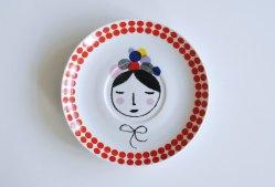 Ninainvorm - Flowers in her wreath small vintage plate