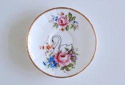Ninainvorm - Swan screenprinted small vintage floral plate