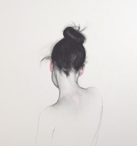 Drawing of a female portrait seen from her back.
