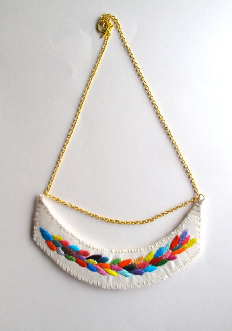 Embroidered multicolour necklace.